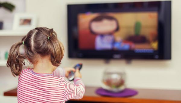 پیامدهای تماشای تلویزیون برای نوزادان و بچه ها