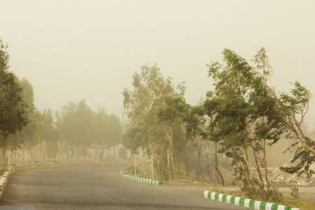 گرد و خاک در 13 استان ایران ، احتمال صاعقه و برق گرفتگی